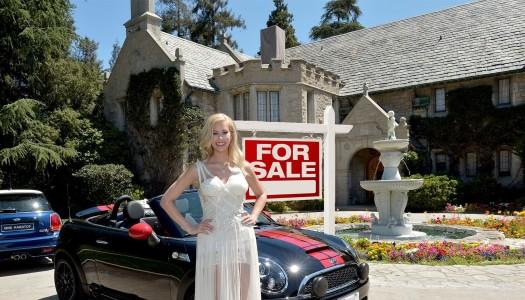 Conoce al nuevo roomie de Hugh Hefner en la Mansión Playboy