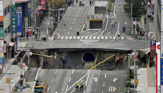 Este tiempo le tomó a Japón reparar un enorme socavón
